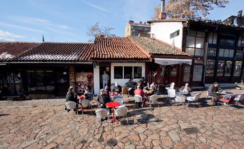 Touristen Café im im Freien lizenzfreie stockfotografie