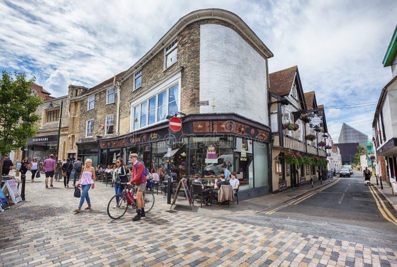 Touristen in der alten Stadt von Canterbury, Großbritannien, am 13. Juli 2016 stockfotos