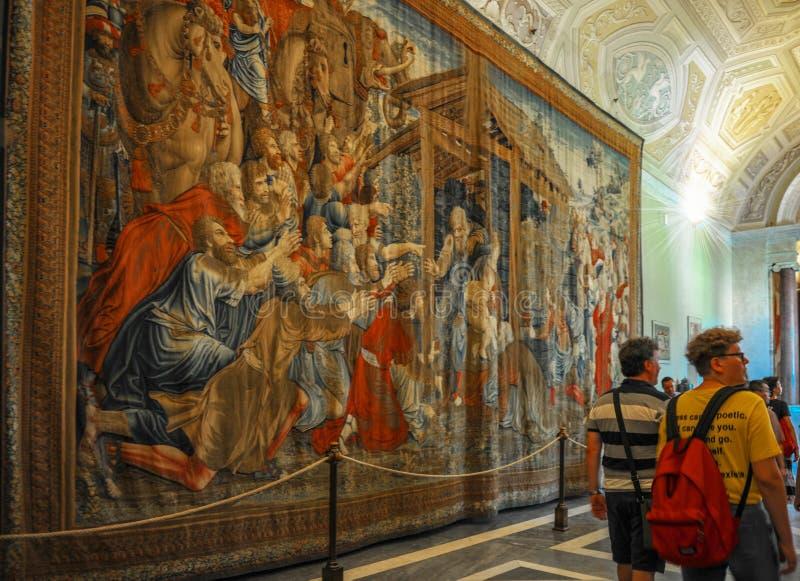 Touristen in Vatikan-Museen stockfotografie
