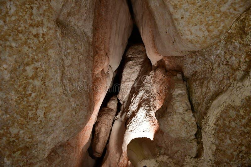 Touristenattraktion Al Qarah Mountain im Land der Zivilisation auf Saudi-Arabien lizenzfreie stockbilder