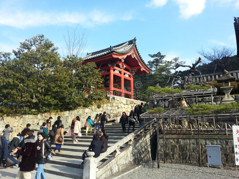 Touristenbesuch Koyomizu-Tempel lizenzfreies stockfoto