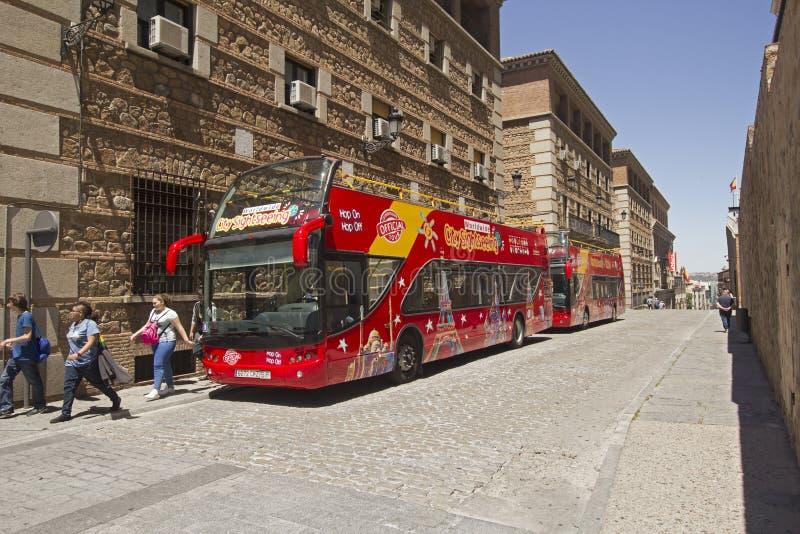 Touristenbus in Toledo, Spanien lizenzfreie stockfotografie