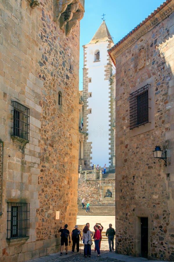 Touristes dans Cáceres, Estrémadure, Espagne photographie stock