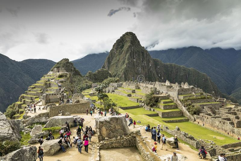 Touristes dans Machu Pichu Per? photos libres de droits