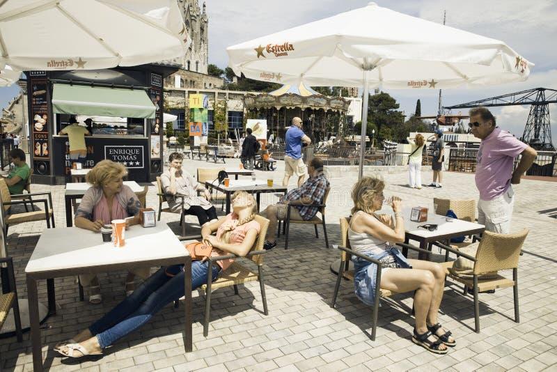 Touristes de Tibidabo image stock