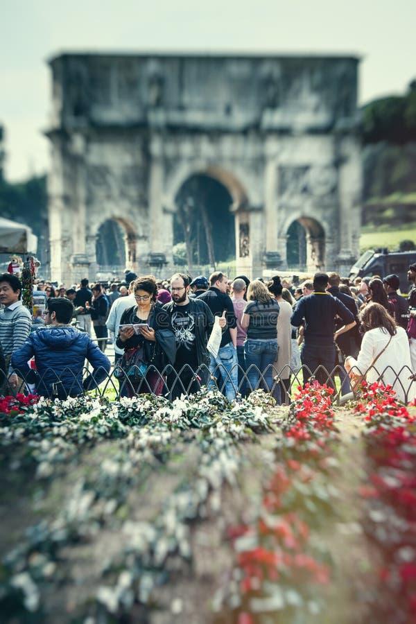 touristes Foyer sélectif Beaux vieux hublots à Rome (Italie) photo libre de droits