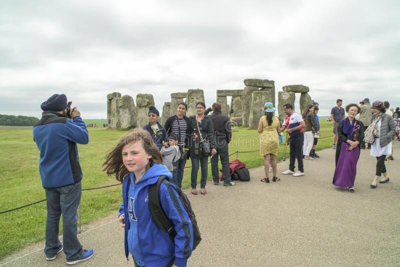 Touristes Stonhenge image stock