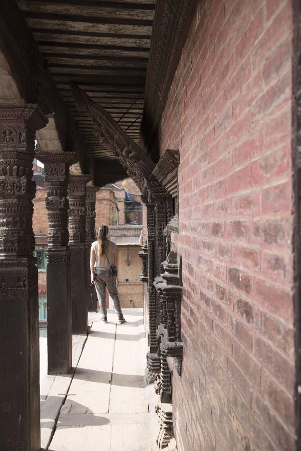 touristes visitant la place durbar de bhaktapur photographie stock libre de droits