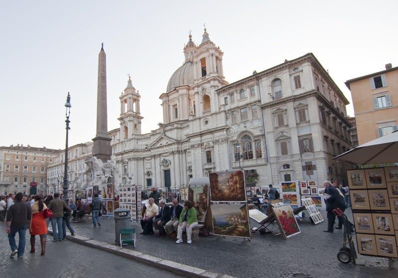 Touristi en la plaza Navona, Roma imagen de archivo