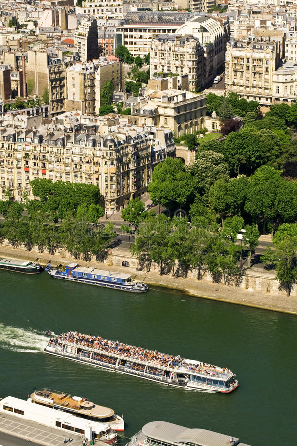 Free Touristic Ship On Seine River, Paris Royalty Free Stock Image - 11988456