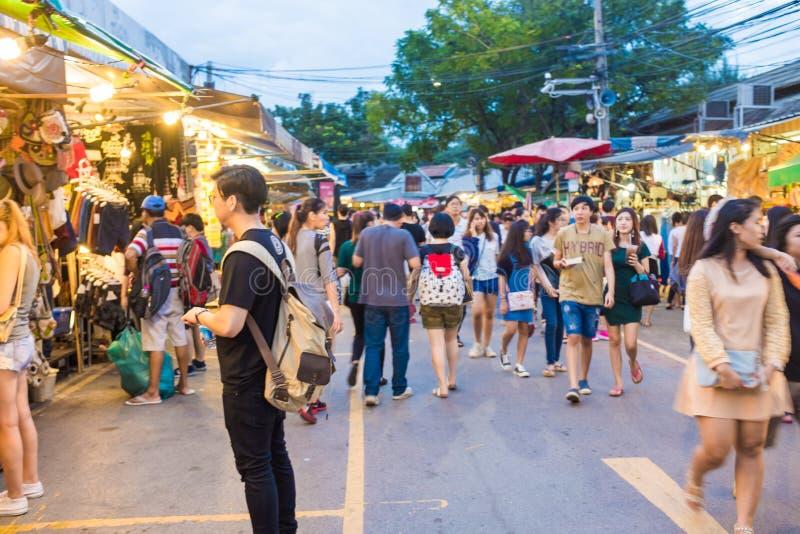 Touristische Shops bei Jatujak oder bei Chatuchak lizenzfreie stockbilder