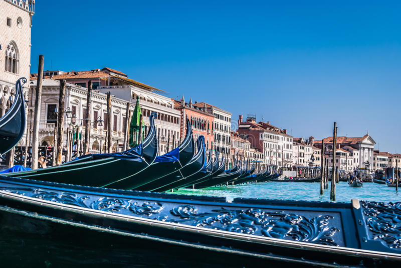 Touristischer Weg mit Gondel, Venedig lizenzfreie stockfotografie