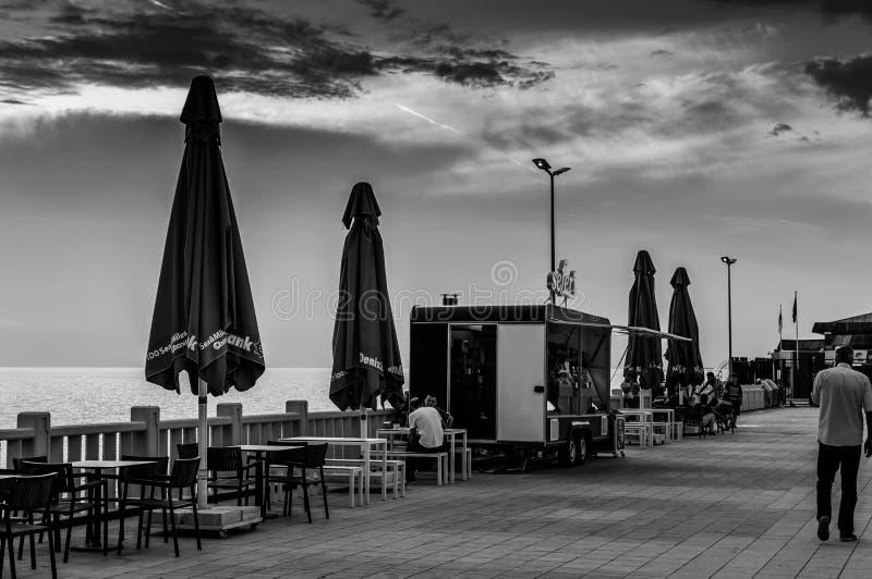 Touristisches Fähren-Dock lizenzfreies stockfoto