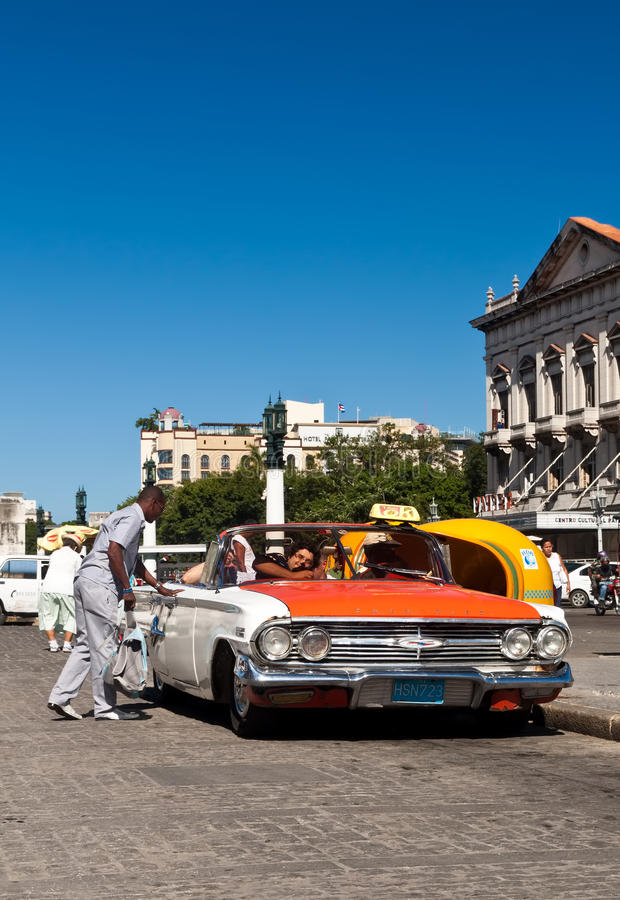 Download Tourists In A Classic Car In Havana Editorial Stock Photo - Image of havana, antique: 19255973