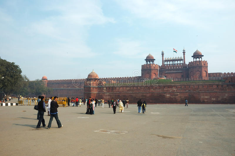 Download Tourists Crowd At The Entrance To Red Fort,India Editorial Stock Photo - Image: 15356198