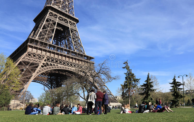 Tourists at the Eiffel Tower stock images