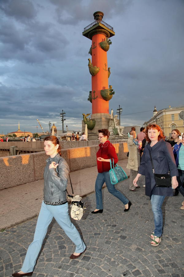 Tourists and guests of St. Petersburg on the spit of Vasilyevsky island stock images