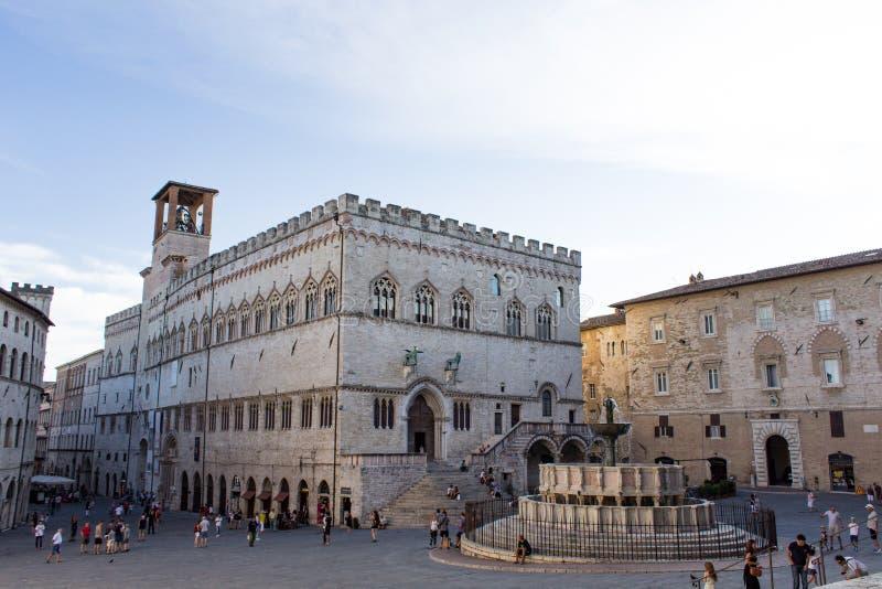 Palazzo dei Priori and the Fontana Maggiore of Perugia stock photography