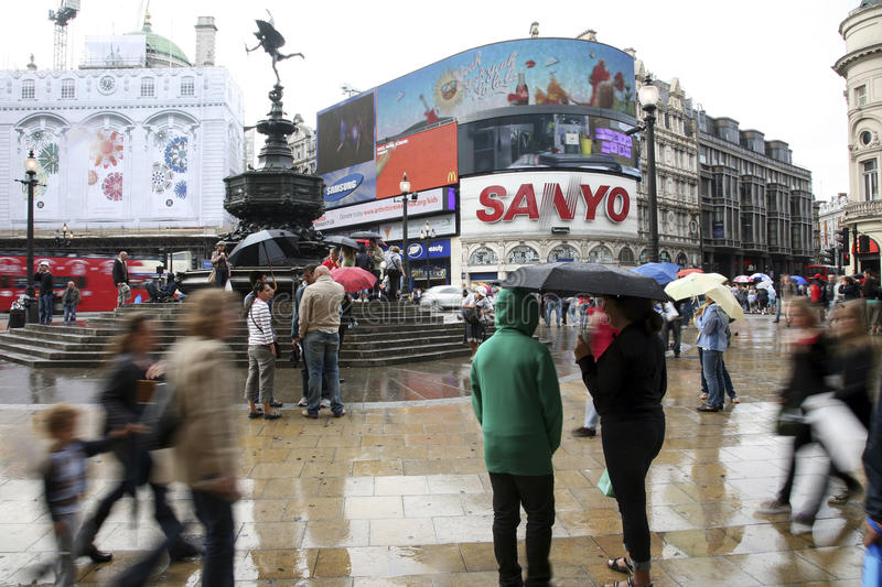 Download Tourists In Piccadilly Circus, 2010 Editorial Image - Image: 24370785