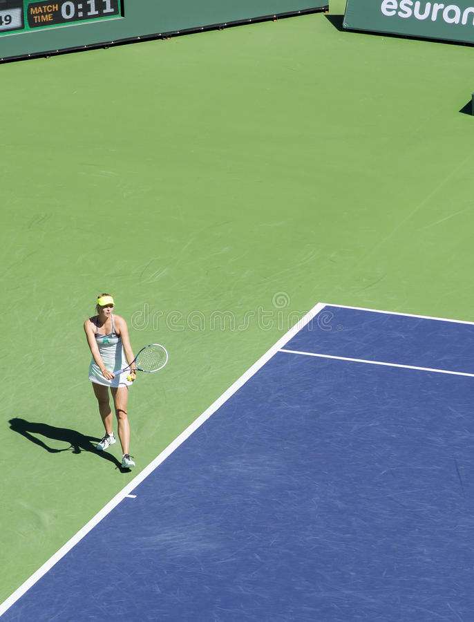 Download Maria Sharapova Serves At Indian Wells 2013 Editorial Stock Photo - Image: 29924398