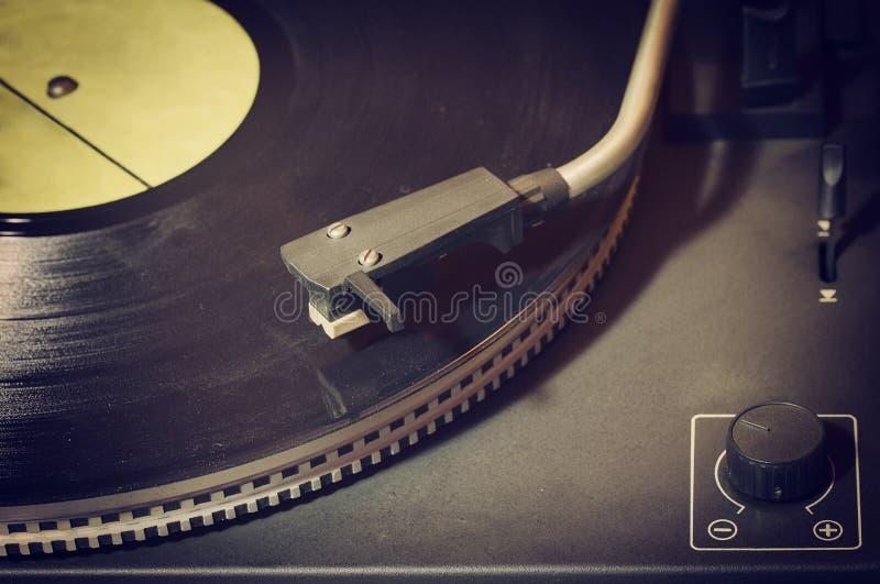 Tourne-disque avec du vinyle image stock