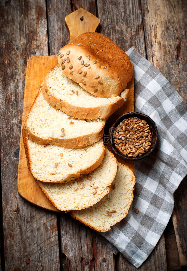 Tournesol Honey Oatmeal Bread de blé entier Style rustique photo libre de droits