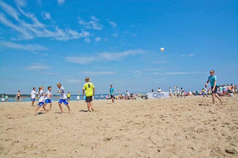 Tournoi du football de plage photo libre de droits