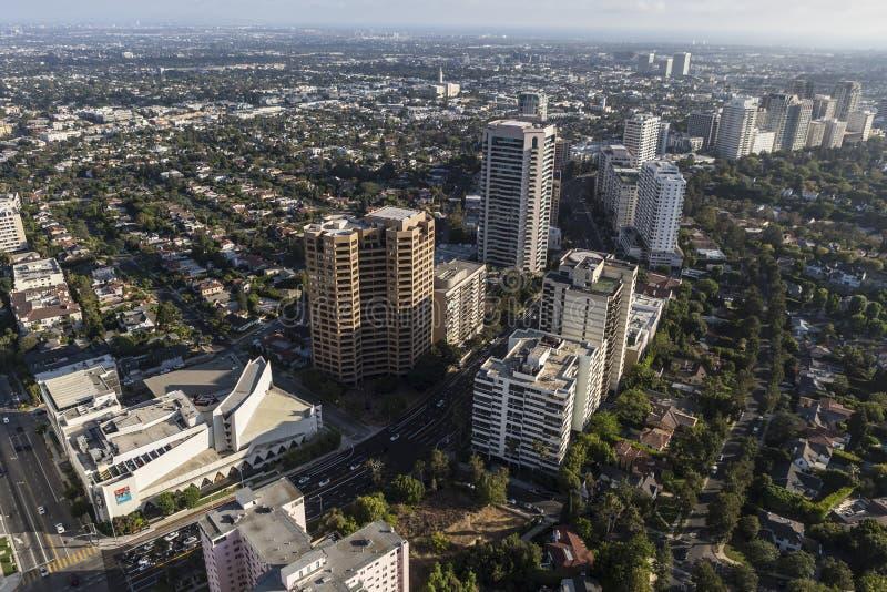 Tours ayant beaucoup d'étages de couloir de Wilshire à Los Angeles photo libre de droits