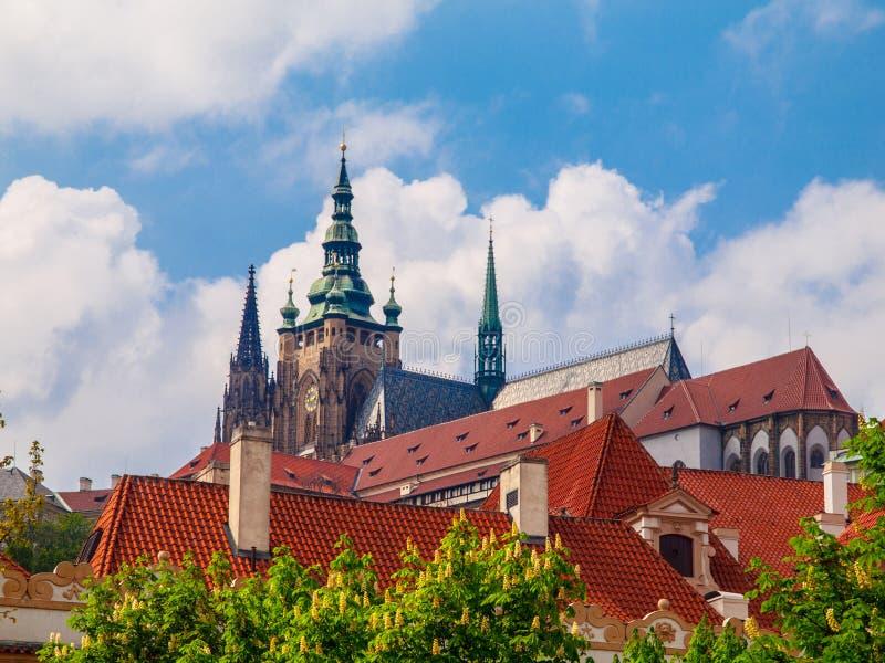 Tours de château de Prague photographie stock