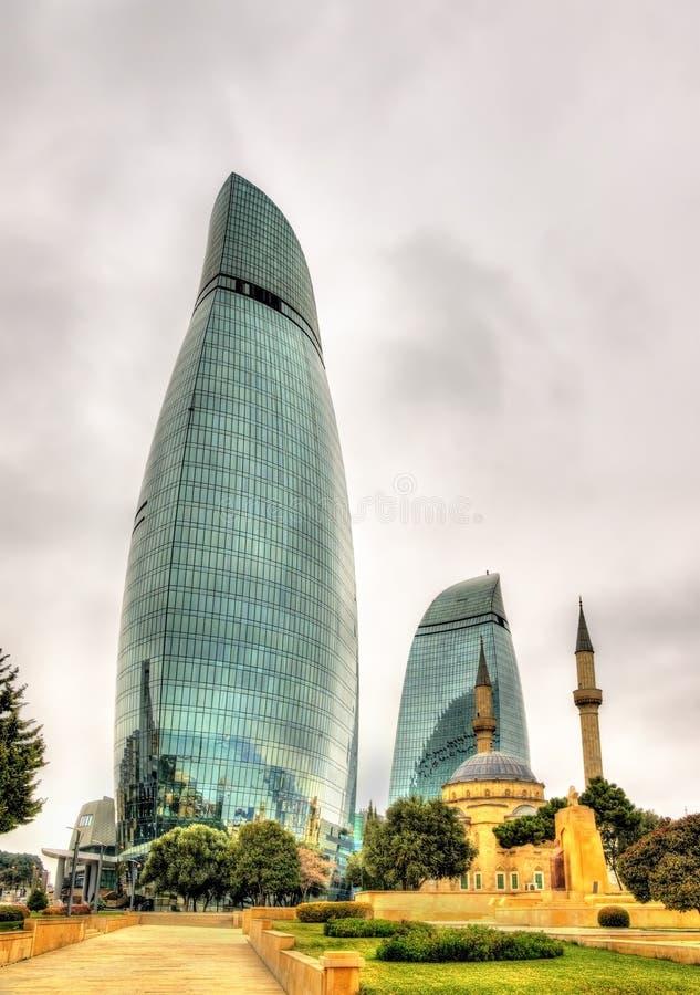 Tours de flamme à Bakou, Azerbaïdjan photo libre de droits