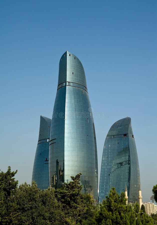 Tours de flamme de Bakou image stock
