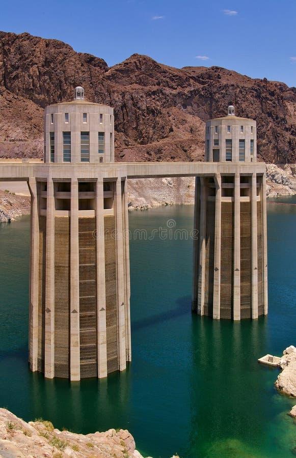 Tours de prise de barrage de Hoover, lac Meade, Etats-Unis image stock
