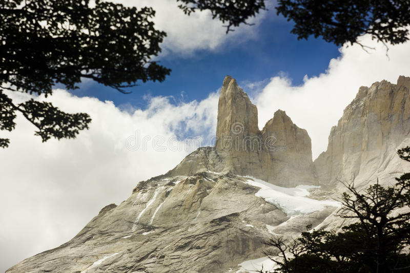 Tours de Torres del paine dans le patagonia photo libre de droits