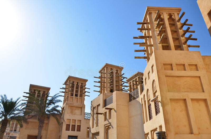 Tours de vent à Dubaï, EAU photographie stock