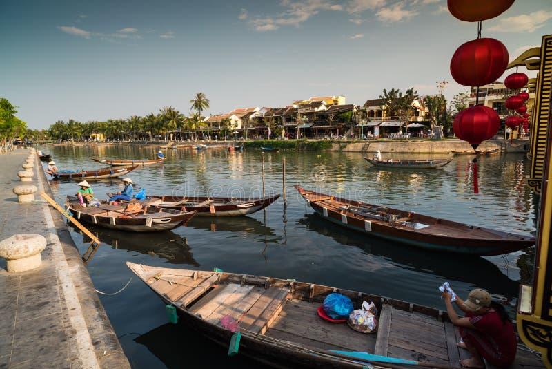 Toursit Baot, Hoi An - Vietnam royaltyfria foton