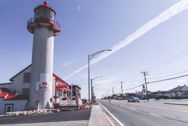Tousistic Leuchtturm der Matane-Küsten-Ansicht stockfoto