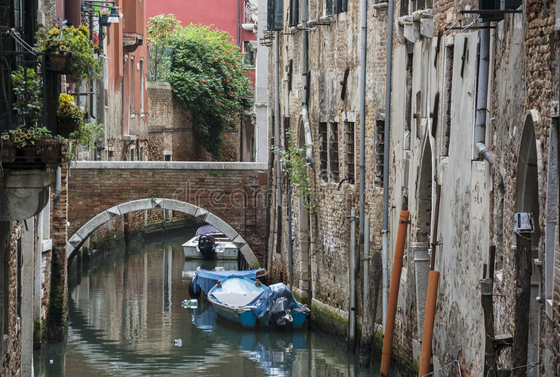 Tout à fait ruelle à Venise photo stock
