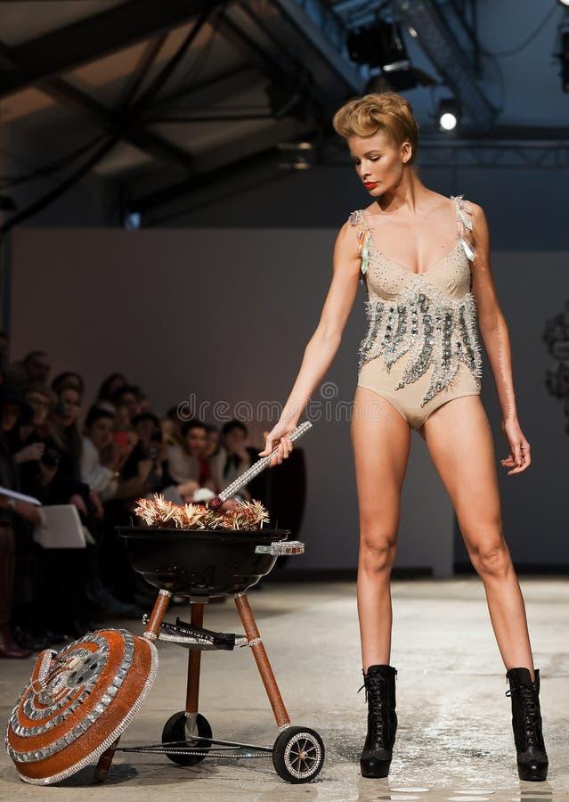 tout 2012 лета весны модного парада ауры vu стоковое изображение rf