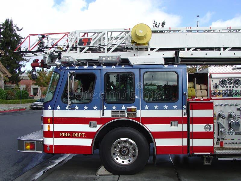 Tout le camion de pompiers américain photographie stock libre de droits