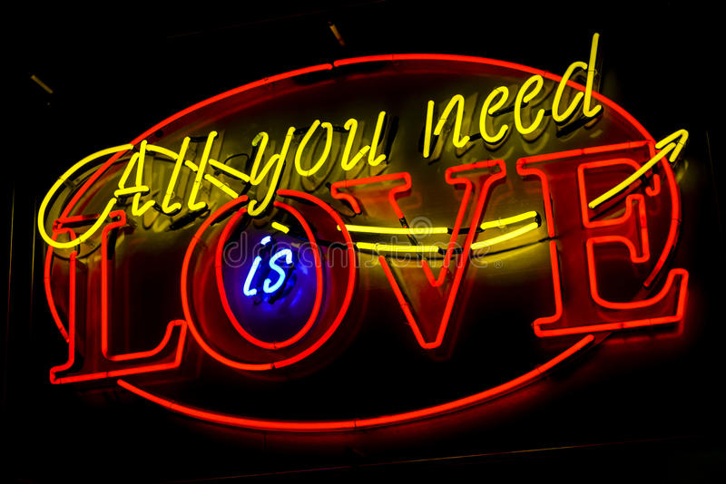 Enseigne au néon d'amour photo stock