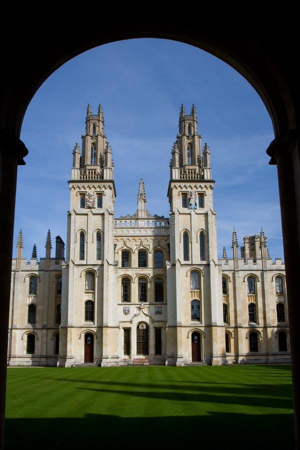 Download Toutes Les âmes Université, Oxford Photo stock - Image du herbe, universitaire: 8654942