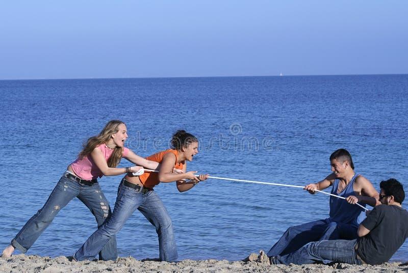 touwtrekwedstrijd stock foto's