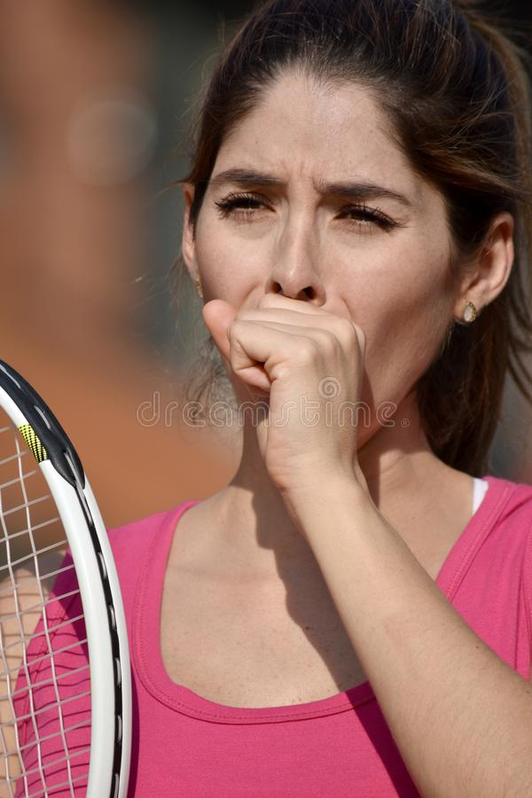 Toux de joueur de Colombian Female Tennis d'athlète photos stock