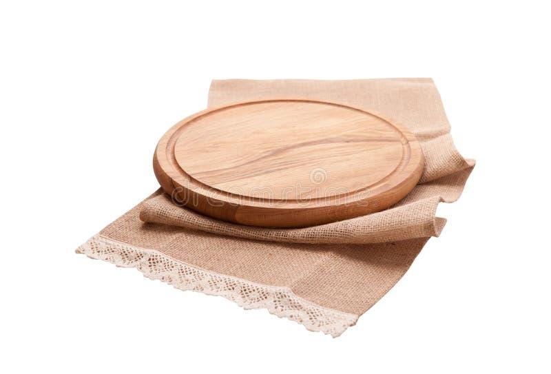 Tovagliolo e bordo per pizza isolata su bianco Tela, asciugamani di piatto su derisione bianca di vista superiore del fondo su Fu immagini stock