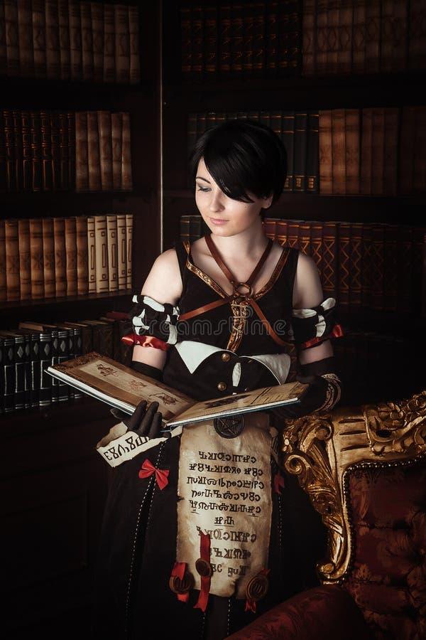 Tovenares met boeken royalty-vrije stock afbeelding