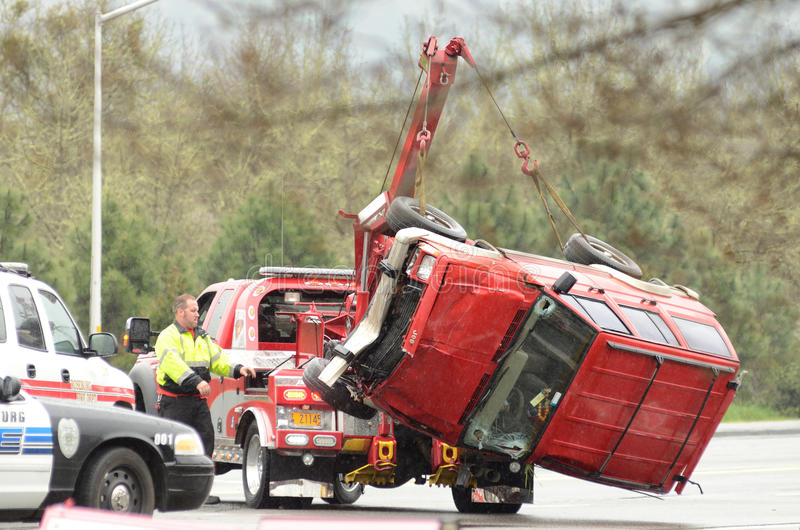Download Tow Lift editorial stock photo. Image of damage, emergency - 43164858