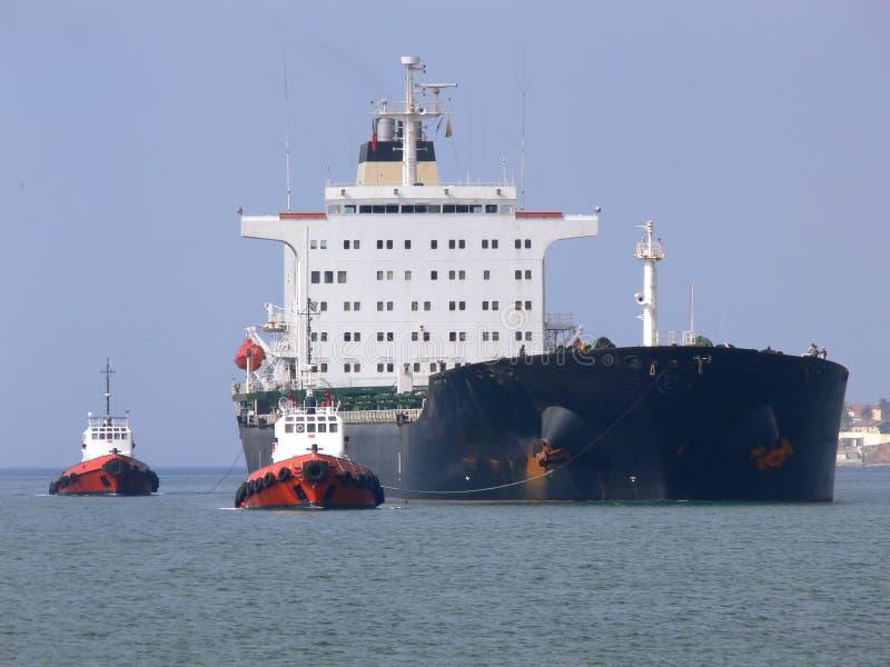 Towage do navio foto de stock royalty free