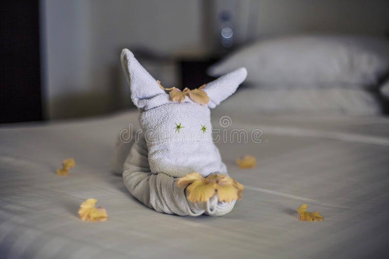 Download Towel Animal On A Hotel Bed Stock Image - Image: 75985391