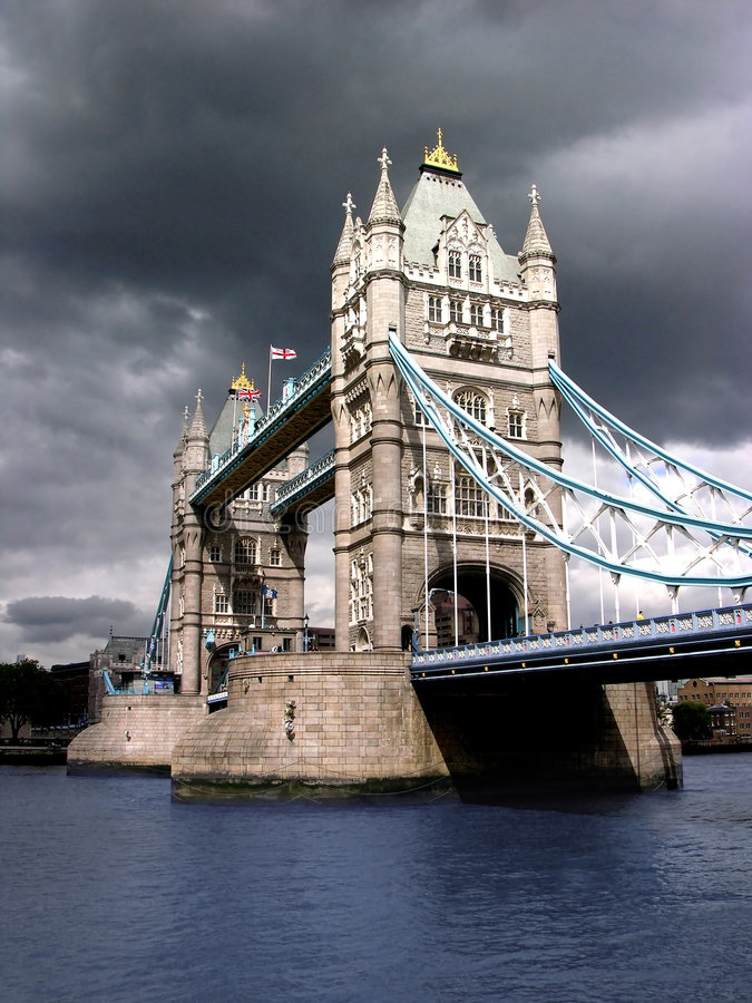Free Tower Bridge By Cloudy Day Stock Photo - 641520