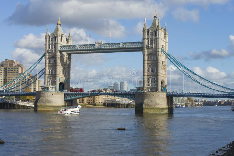 Tower Bridge, London arkivfoton